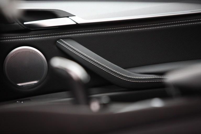 BMW X6 M50d_21