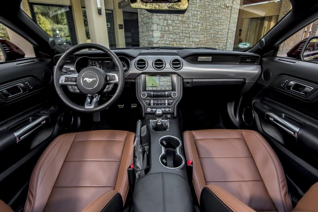 Ford Mustang Nissa (35)