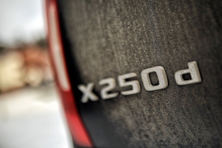 Mercedes-Benz X 252