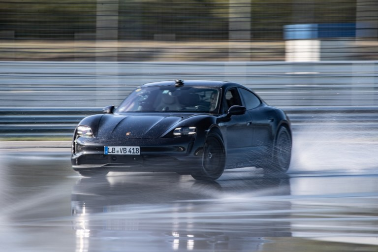 Porsche Taycan intră în Guinness World Records™
