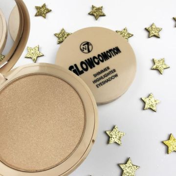This handy, pigmented compact comes with an internal mirror containing a super shimmering, highlighting powder with a subtle golden glow. With a highly pigmented formula, cause a makeup commotion with glowcomotion.