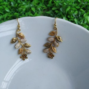 Quality fashion earring Gold Palette AD Stone