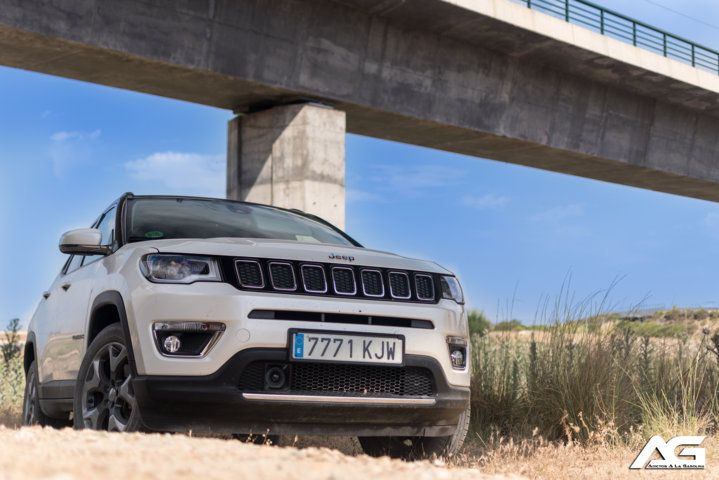 frontal Jeep Compass Limited