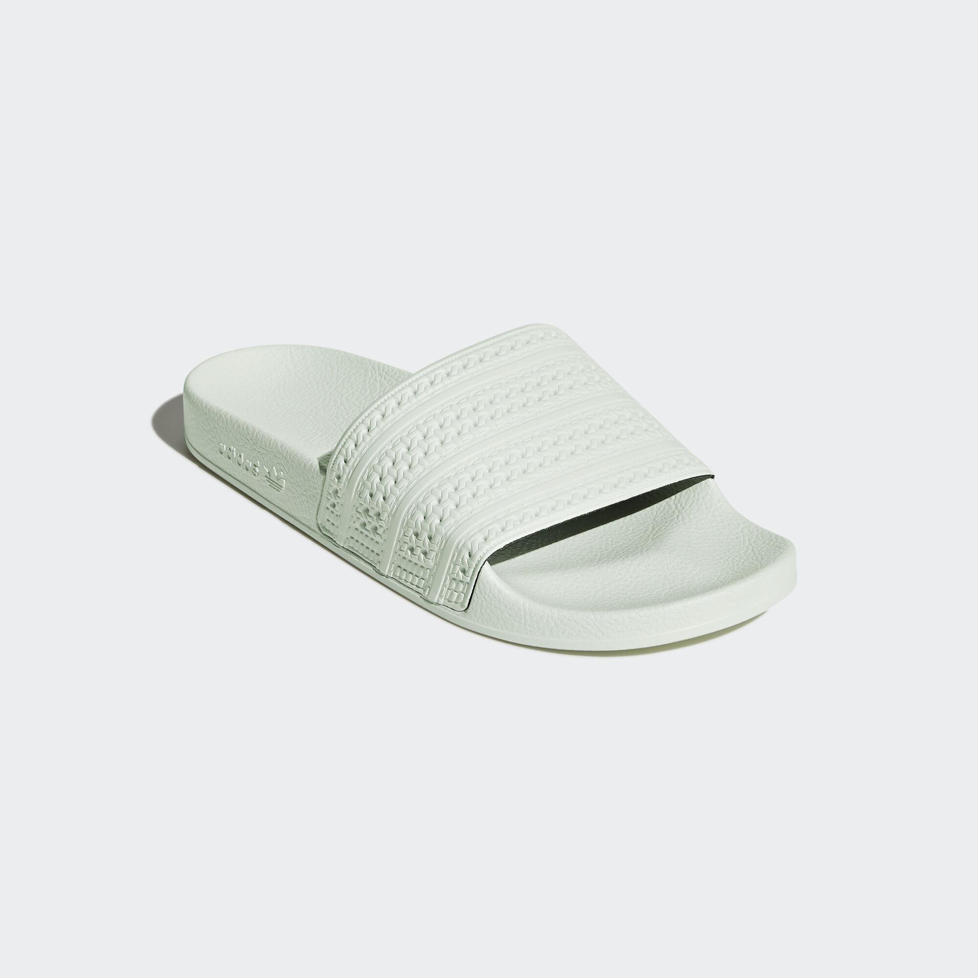 e473fcc90c8 Adidas Slippers Dames   Adidas Online Te Koop Bij Abottleofsanity ...