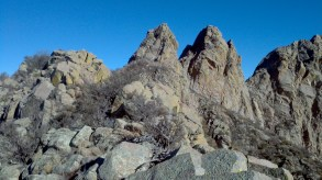 Summit ridge to the northernmost low horn
