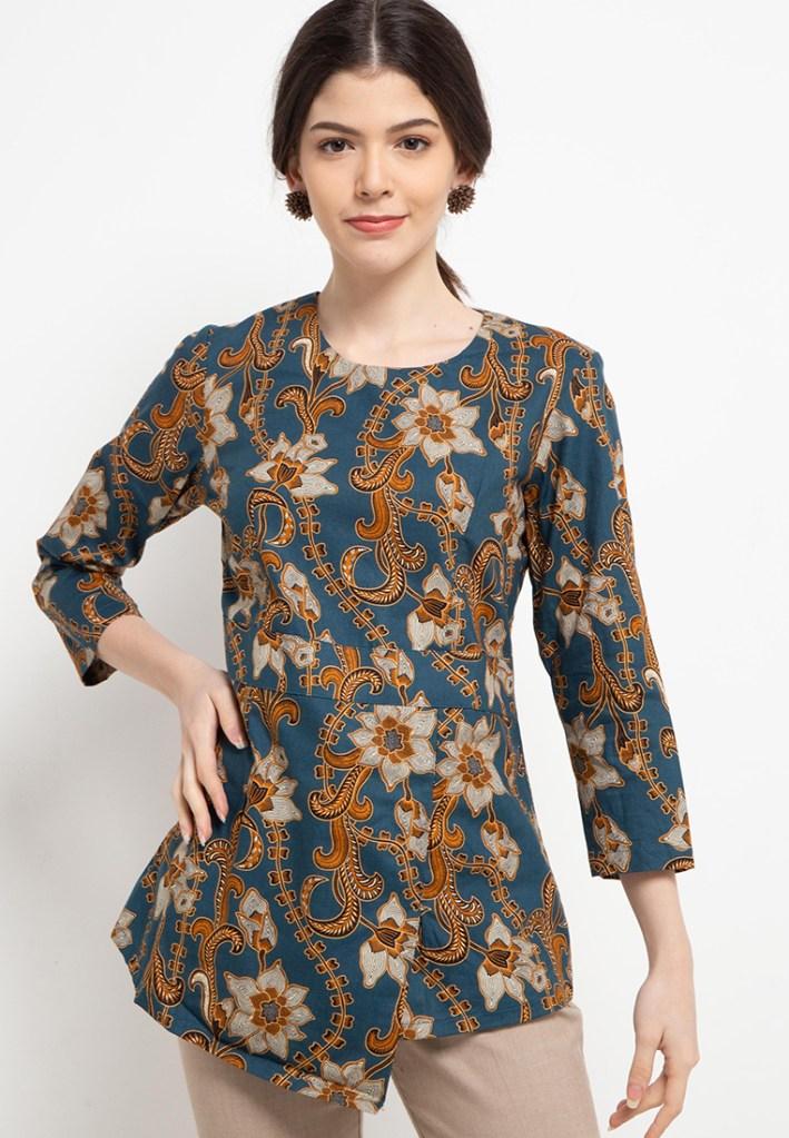 Batik Adikusuma Women Bunga Lily Blouse Batik Wanita – Biru