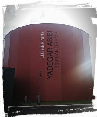 Asisi-Panorama von außen...