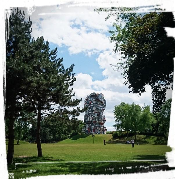 La tour aux figures, Parc de I'lle Saint-Germain