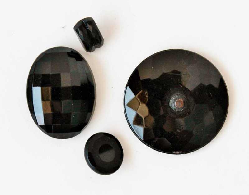 antique jet buttons