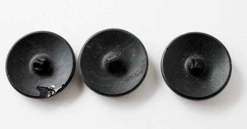 back of jet buttons