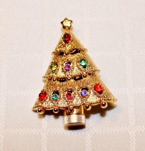 vintage christmas tree pin adirondack girl @ heart