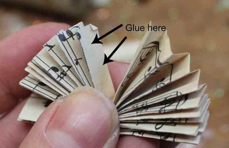Fold rosette in half and glue