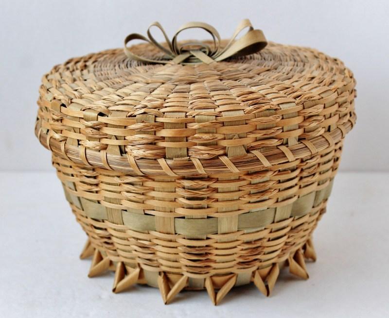 Vintage Ame. Indian Ash Splint Souvenir Basket