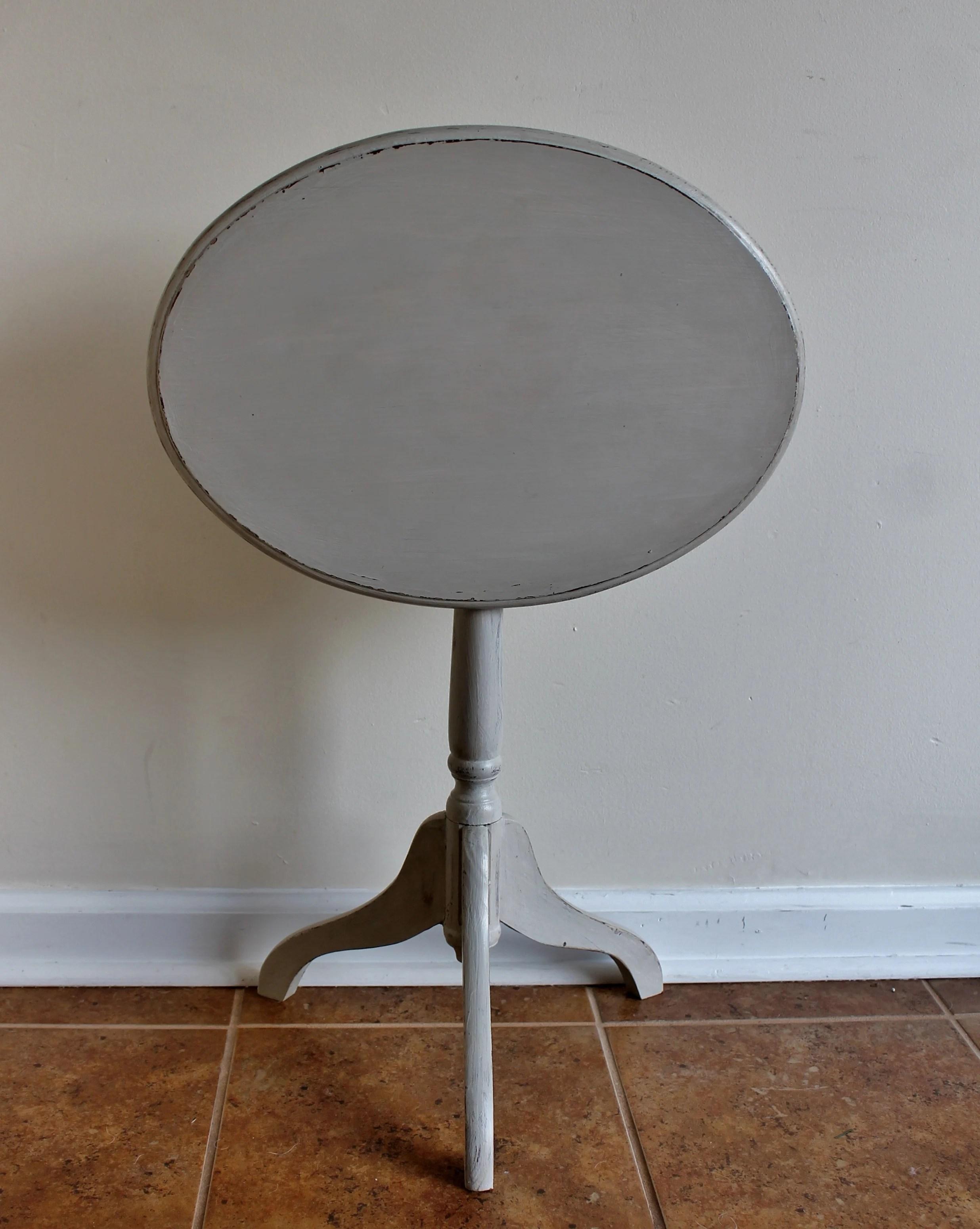 Tilt Top Table Tilted Down