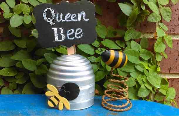 jello mold Queen Bee