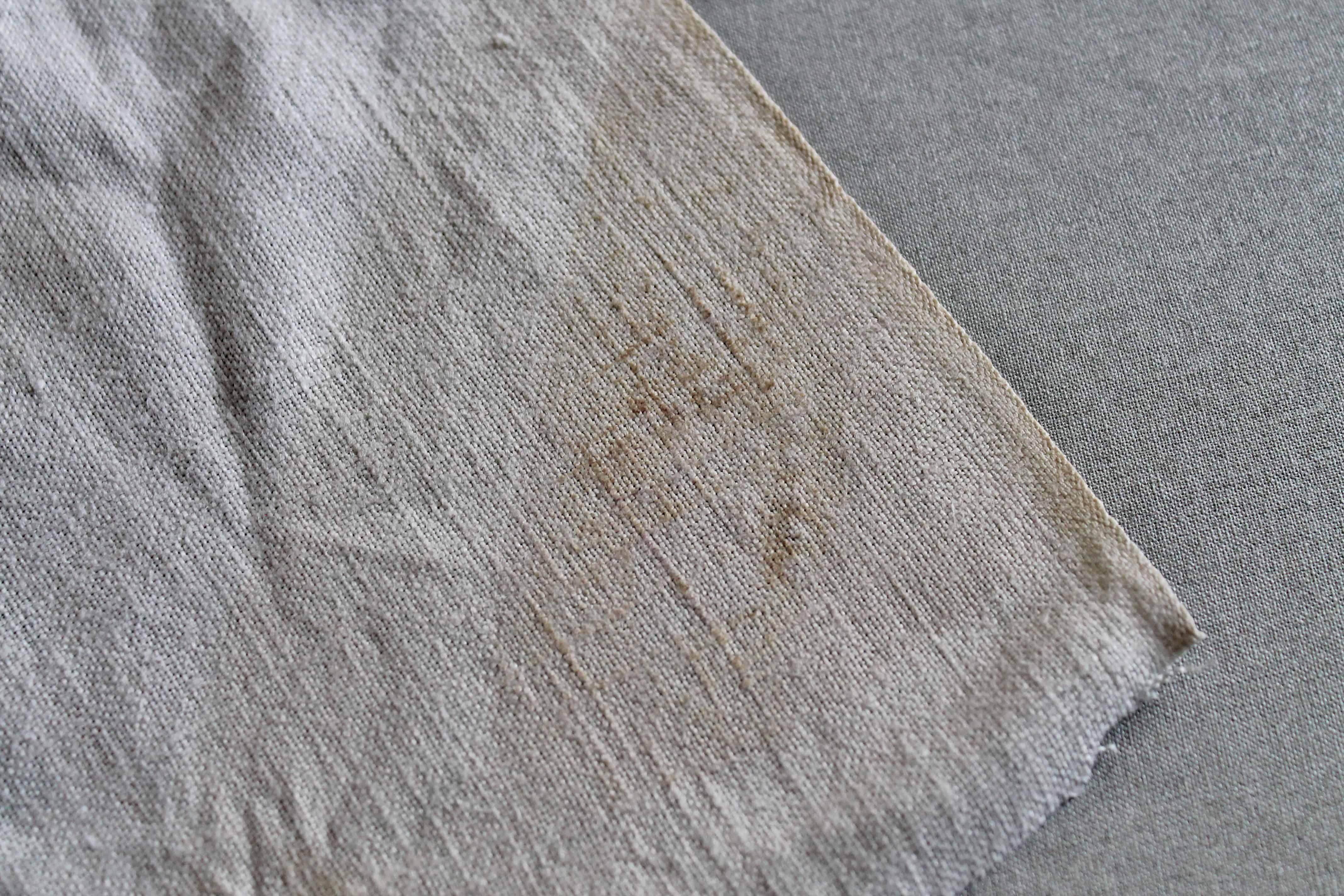 Scorch mark on linen (2)