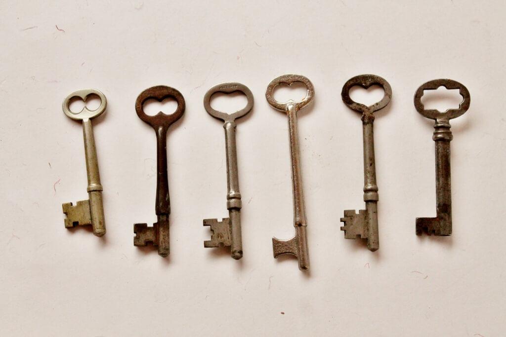 antique-skeleton-keys-1024x683