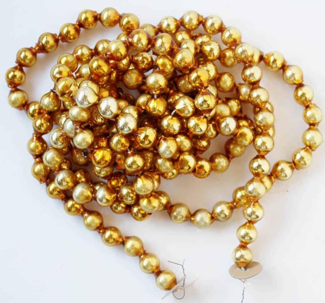 antique-gold-mercury-glass-garland-1050x979