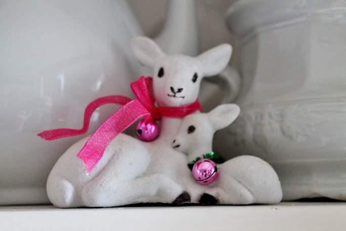 vintage-white-flocked-deer-with-vintage-ironstone-1280x853