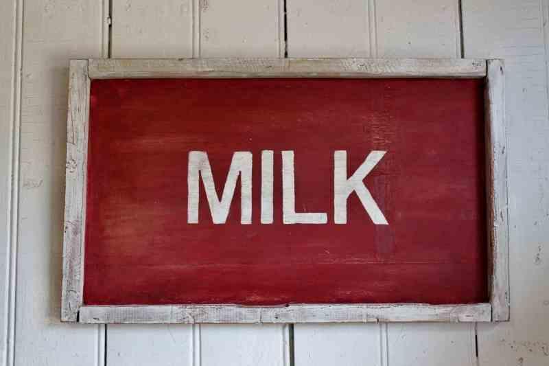 vintage milk sign