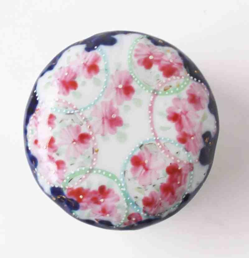 lid of floral vanity jar