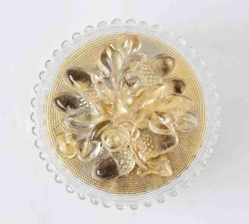 lid of glass vanity jar