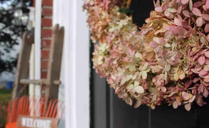 side view of hydrangea wreath