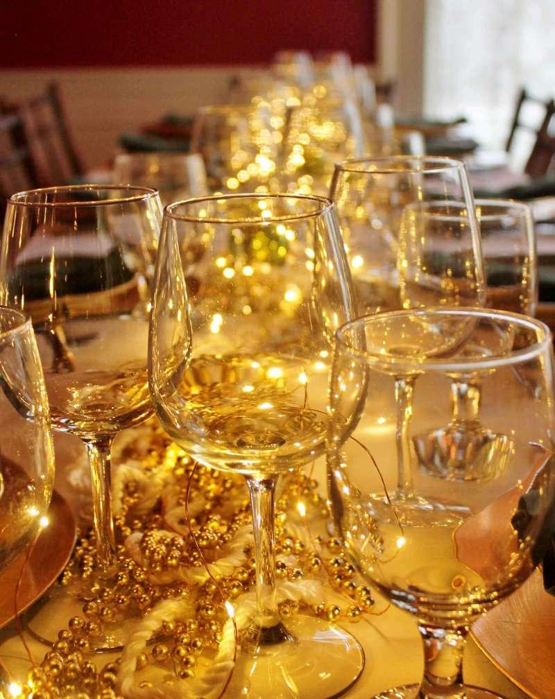 table setting at the arlington inn