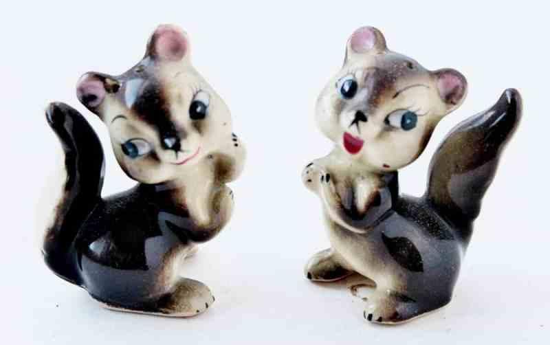 Vintage Squirrel Salt & Pepper ((1200x753)