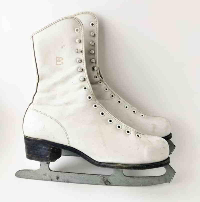 Vintage Leather Skate used Awesome, Magic Sponge, & White Wax