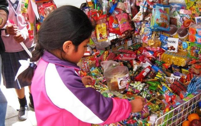 """Proponen en Sinaloa prohibir venta de comida """"chatarra"""" a niños y ..."""