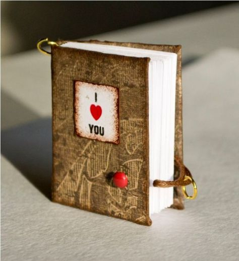 Miniature Books Tha are Telling Your Story