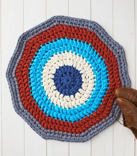 DIY Crochet Rug With T-Shirt Yarn