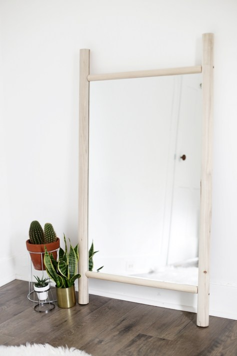 DIY Dowel Mirror