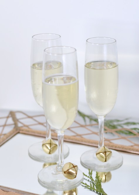 Jingle Bell Wine Glass