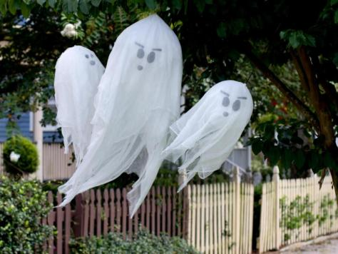 Flying Ghosts Halloween Decoration