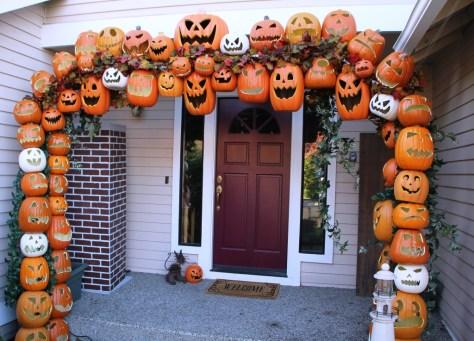 Pumpkin Arch For the Front Door