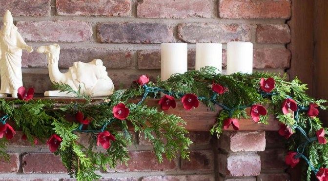35 DIY Christmas Garlands Decoration Everyone Love to Make