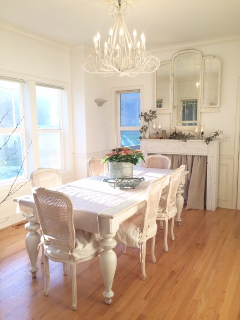 Farmhouse Fireplace With Dining Table