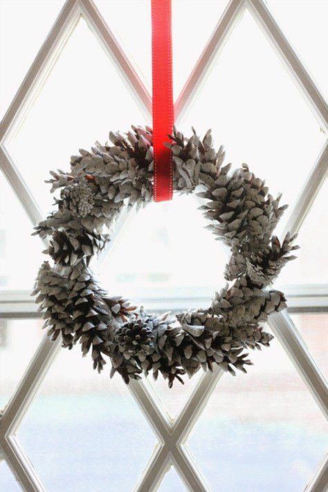 Chalky Pine Cone Wreath