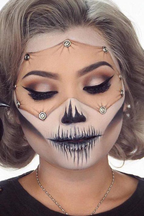 Stimulating Makeup