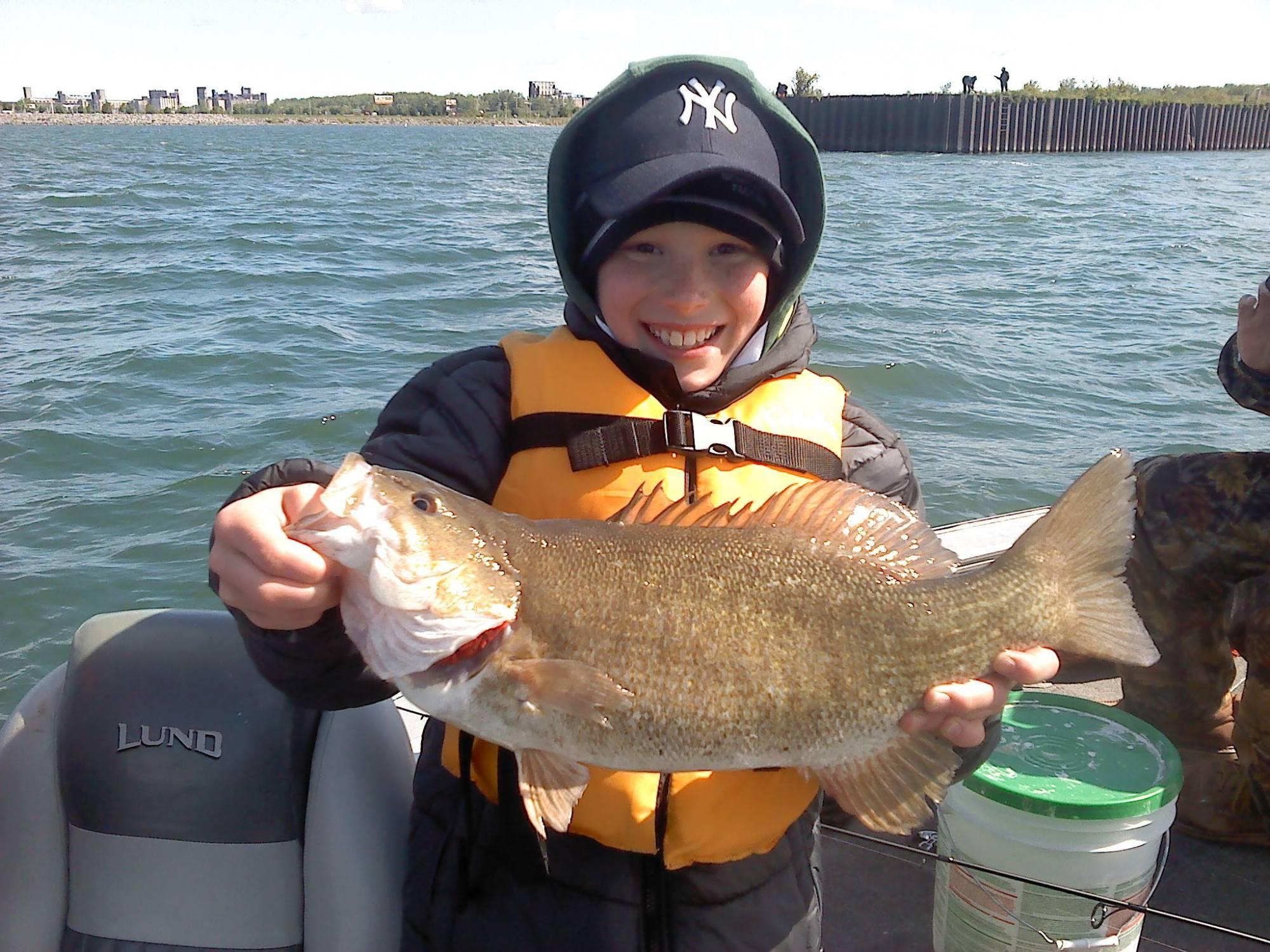 niagara_river_bass_fishing