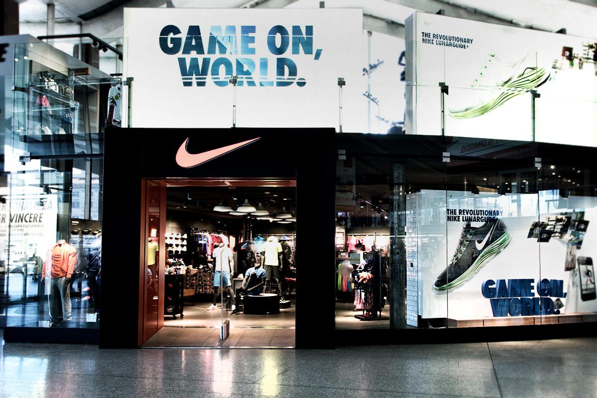 Nike Store  Platform Floor  Roma Termini