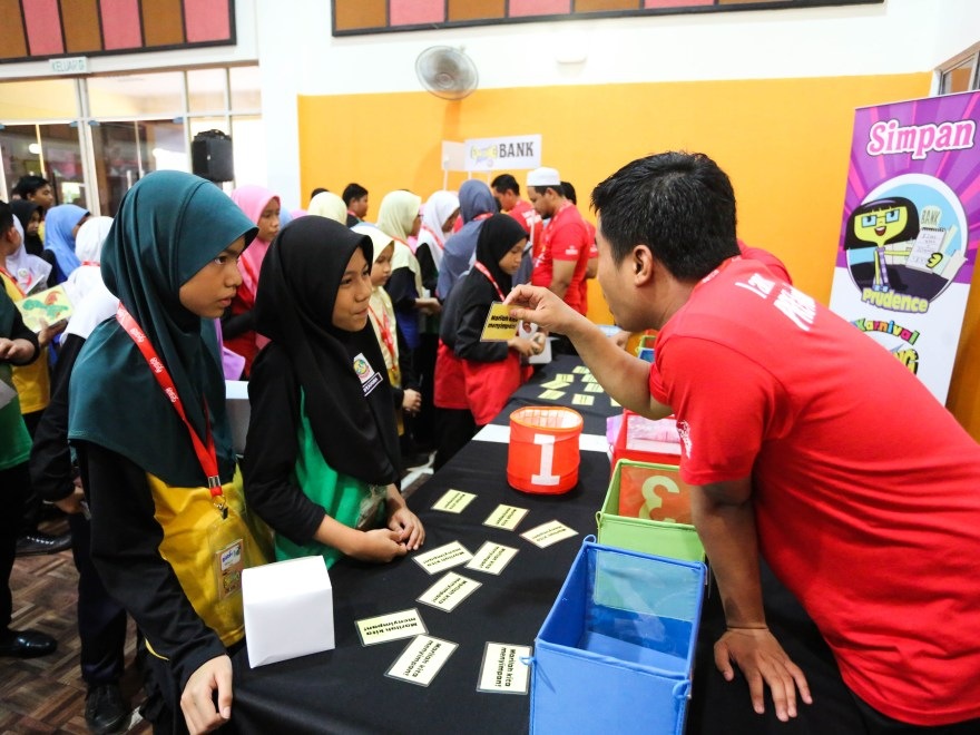 4 Terrific Ways This Ngo Makes Education More Accessible For Underprivileged Msian Kids