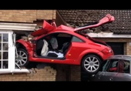 worst drivers compilation new 2014 most funny and scary people on road in they cars accident