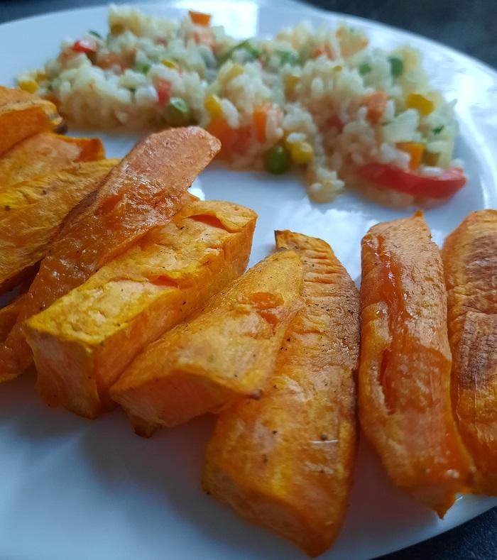 Cartofi dulci cu orez si legume