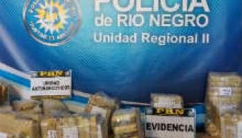 Resultado de imagen para Secuestran 8 kilos de marihuana y otros elementos en General Roca