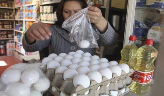 Kilo de huevo alcanza los 72 pesos