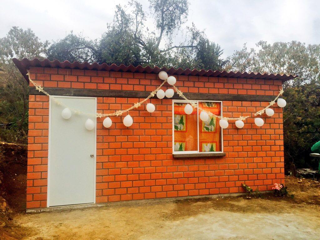 CEVI hace entrega de infraestructura social en San Bernardo Mixtepec (7)