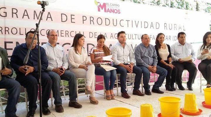 Gestiona Raúl Cruz unidades de producción avícola en beneficio de familias de Santa Lucía del Camino (20:00 h)